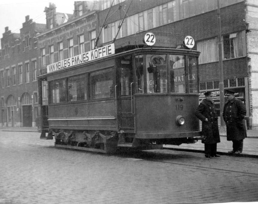 Motorrijtuig 119, lijn 22, Walenburgerweg, 5-2-1934. In de nieuwe RET kleur maar met de oude lijn en bestemmingsaanduiding