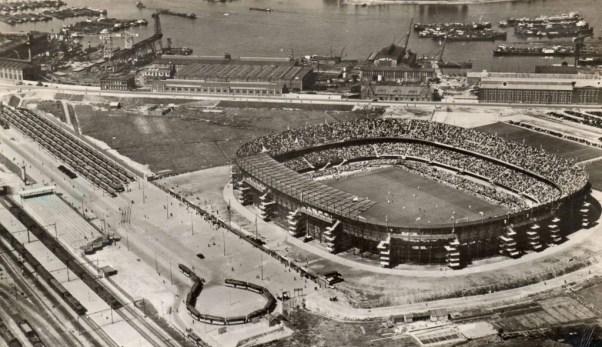 Luchtfoto Feijenoordstadion met Olympiaweg, 1937