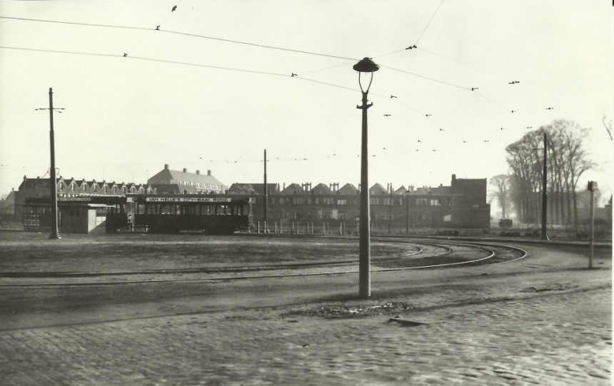 Eindpunt lijn 9, Lange Hilleweg-Strevelsweg, 1930, wachthuijs