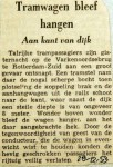 19531228 Tramwagen bleef hangen