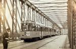 19570609 Stremming op de Willemsbrug