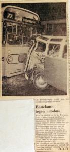 19680223 Bestelauto tegen autobus Pretorialaan