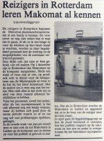 19771223-reizigers-in-rotterdam-leren-makomat-kennen-de-kop