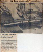 19800916-sprinter-rijdt-door-geopende-spoorbrug-destem