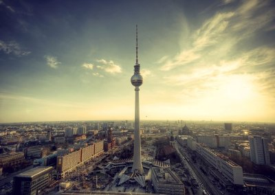 Berlin's relationship to the internet