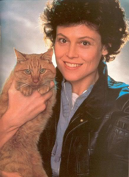 Aliens Lobby Cards - Ripley and Jones the cat