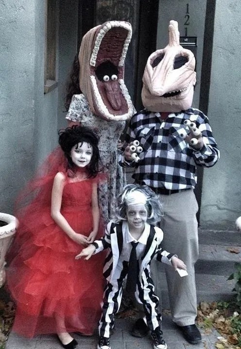 Beetlejuice Halloween Costumes - family, Adam, Barbara Maitland, Lydia Deetz, tim burton