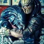 Predator hugging Xenomorph Alien