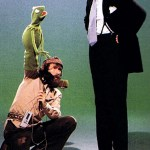 Photo: John Cleese, Jim Henson and Kermit the Frog - Muppets Behind the Scenes