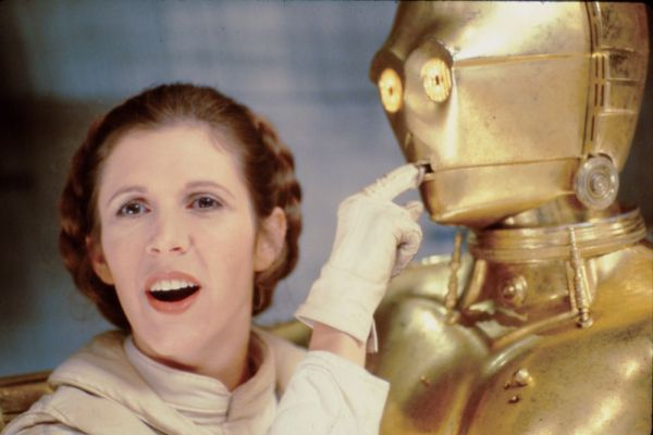 Princess Leia (Carrie Fisher) and C-3PO (Anthony Daniels) - Star Wars Empire Strikes Back Behind the Scenes