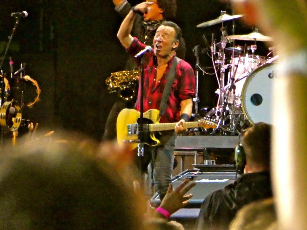 Top 20 Photos From Bruce Springsteen's Auckland Concert ...