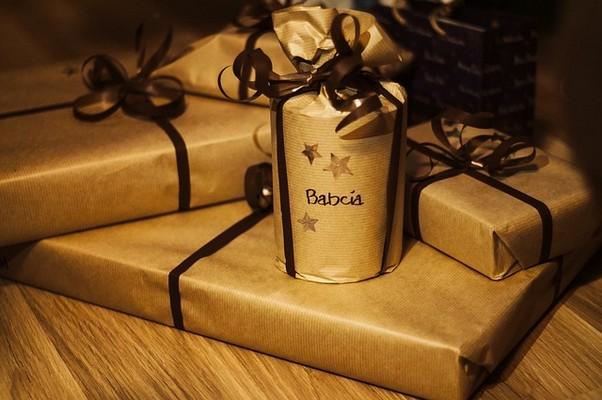 片思いの男性へのクリスマスプレゼントの選び方と渡し方