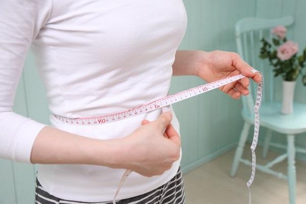 ぽっこりお腹を解消したい女性の自然と痩せる健康ダイエット