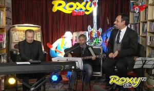 uniweb-tour-matteo-brancaleoni-roxy-bar-tv