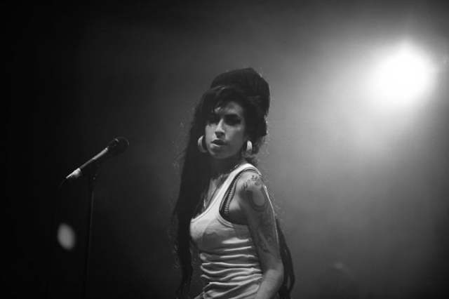 Amy Winehouse ( 1983.9.14 ~ 2011.7.23)