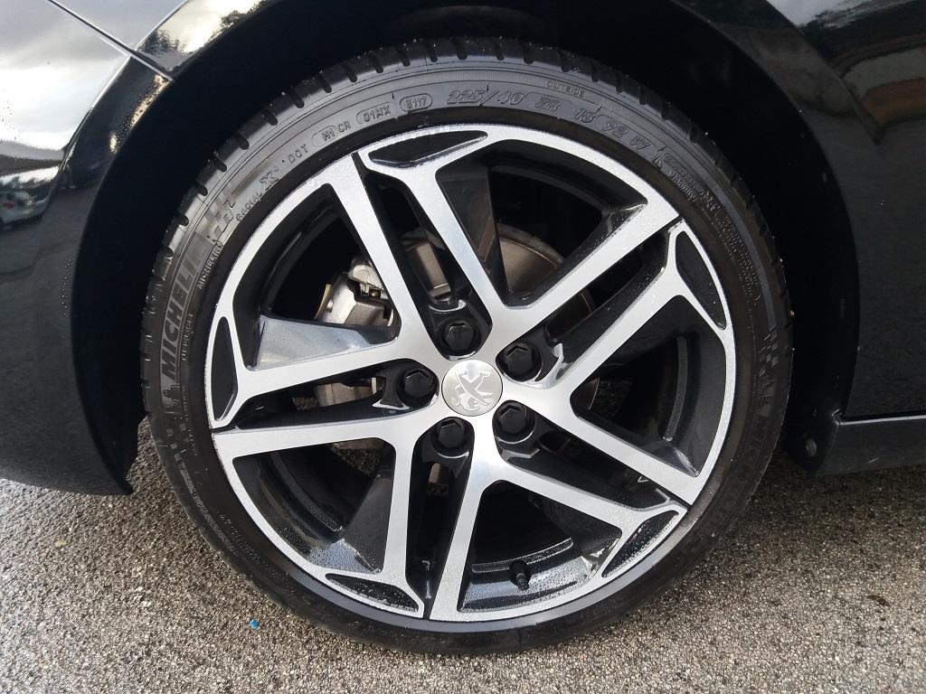 Peugeot 308 BlueHDi 120 S&S Allure (21)