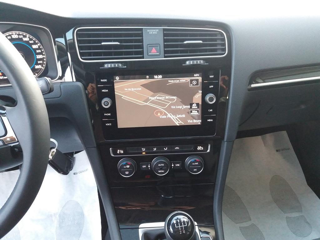 Volkswagen Golf 1.6 TDI Executive 115 cv (10)