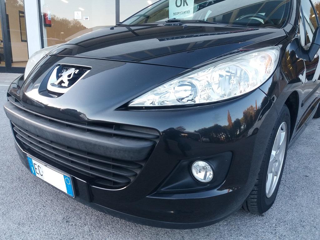 Peugeot 207 1.4 HDi 70 cv 3p Energie Sport (27)
