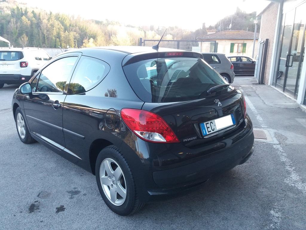 Peugeot 207 1.4 HDi 70 cv 3p Energie Sport (3)