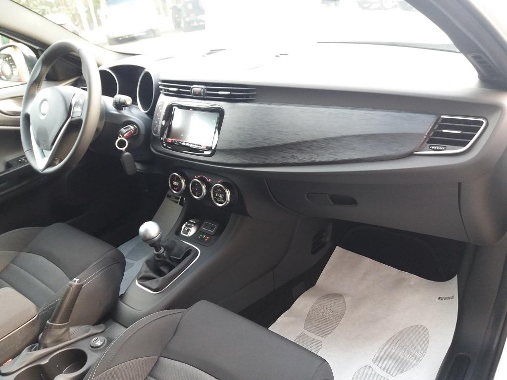Alfa Romeo Giulietta 1.6 JTDm 120 cv B-TECH (15)