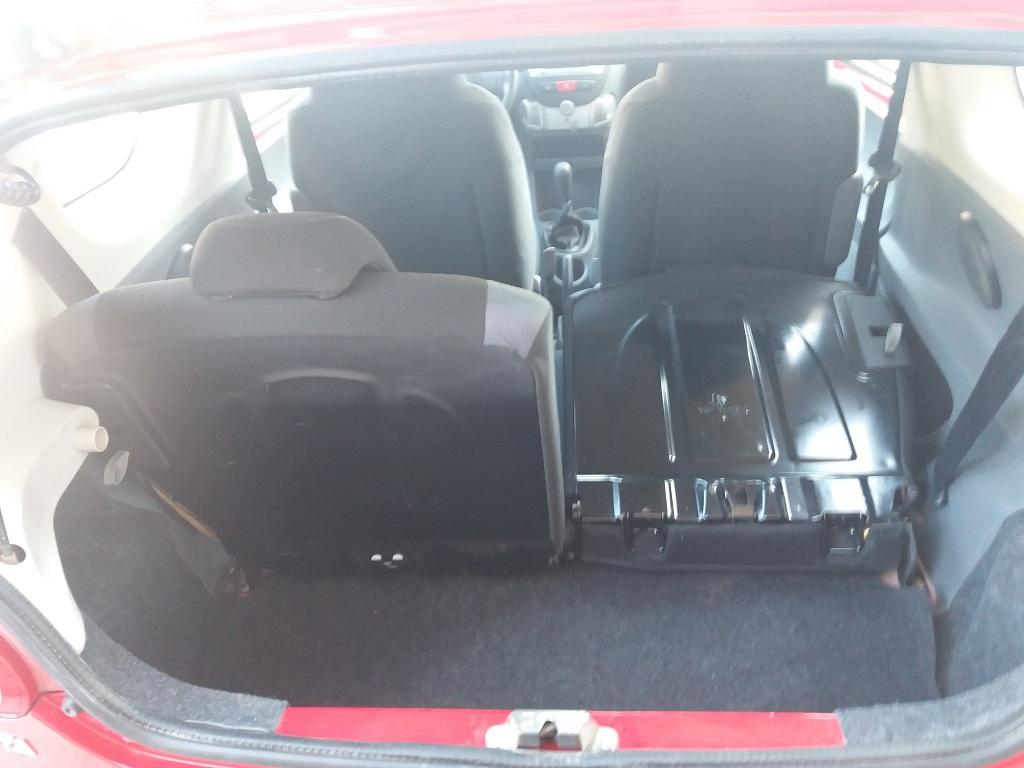 Toyota Aygo 1.4 D-4D 3p Sol (16)