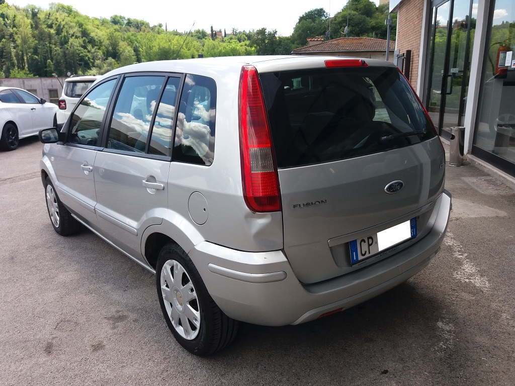 Ford Fusion 1.6 TDCi Collection (3)