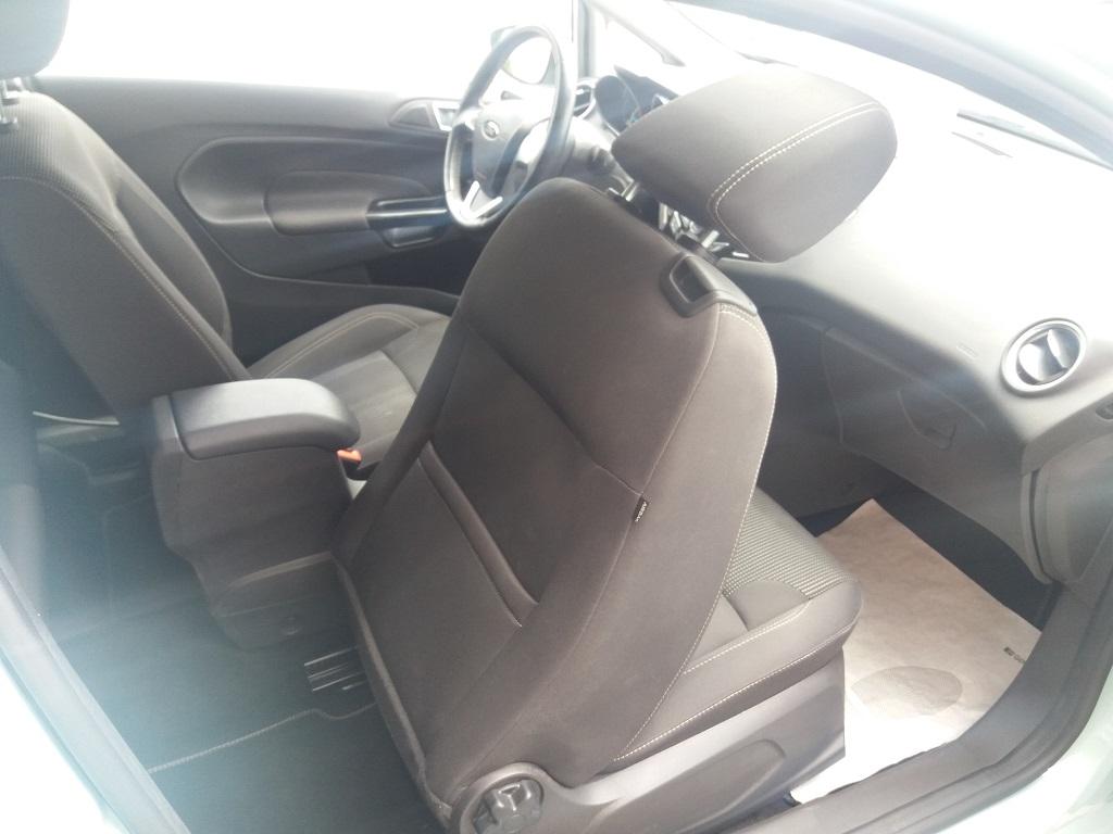Ford Fiesta 1.5 TDCi 95 cv 3p Titanium (16)