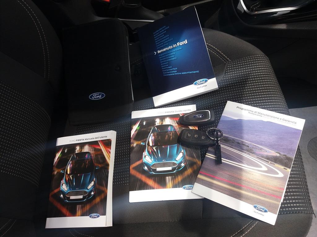 Ford Fiesta 1.5 TDCi 95 cv 3p Titanium (42)