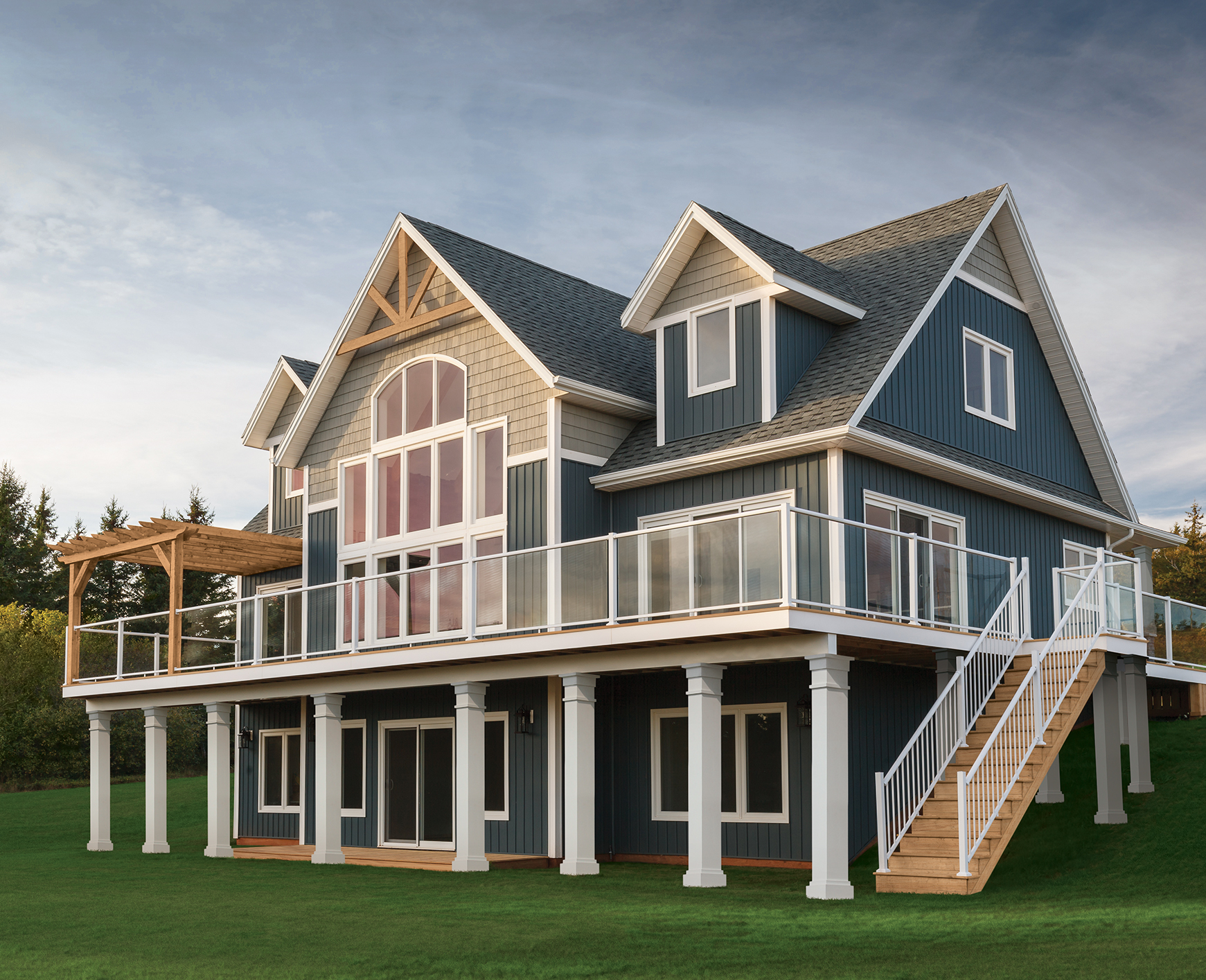 Beautiful And Durable Vinyl Amp Cellular Composite Siding