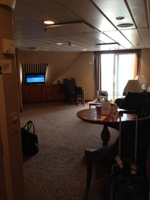 Photo Tour Of Two Bedroom Suite On Royal Caribbeans