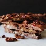 Faire ses tablettes de chocolat maison : aux cranberries et noix de pécan caramélisées
