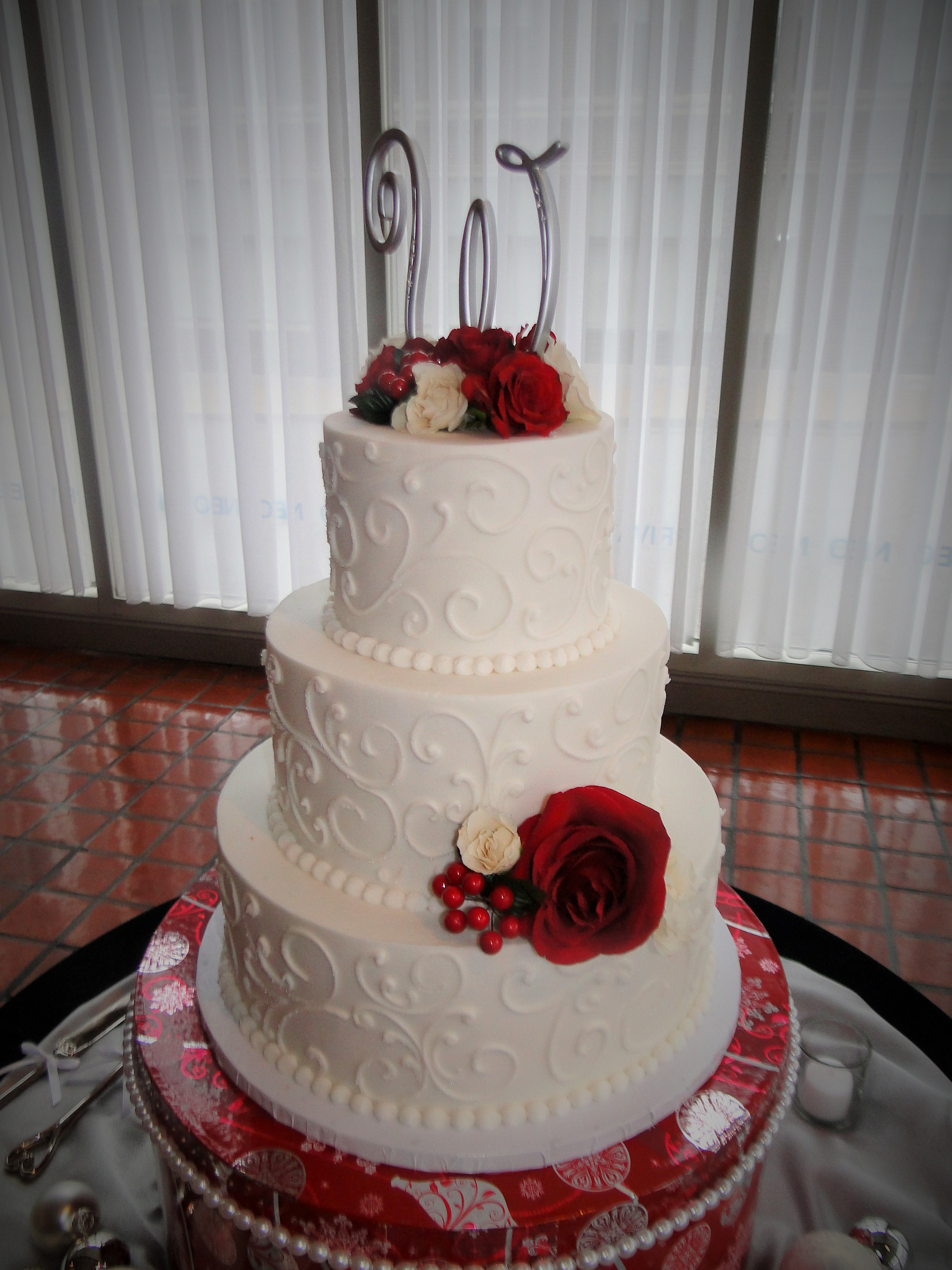 White Cake with Red flowers