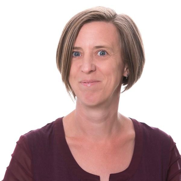 Dr Liz Morris