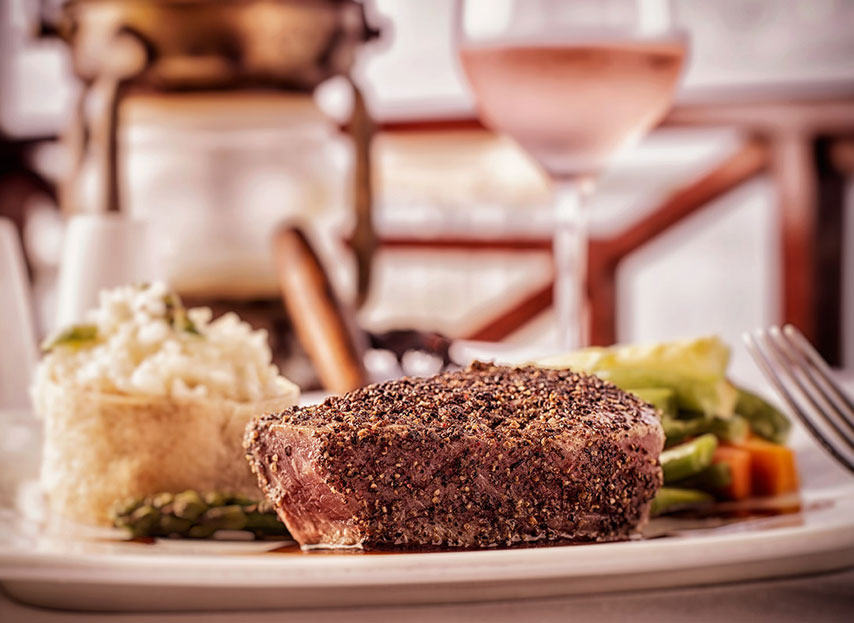 Dining experiences at The Royal Caribbean