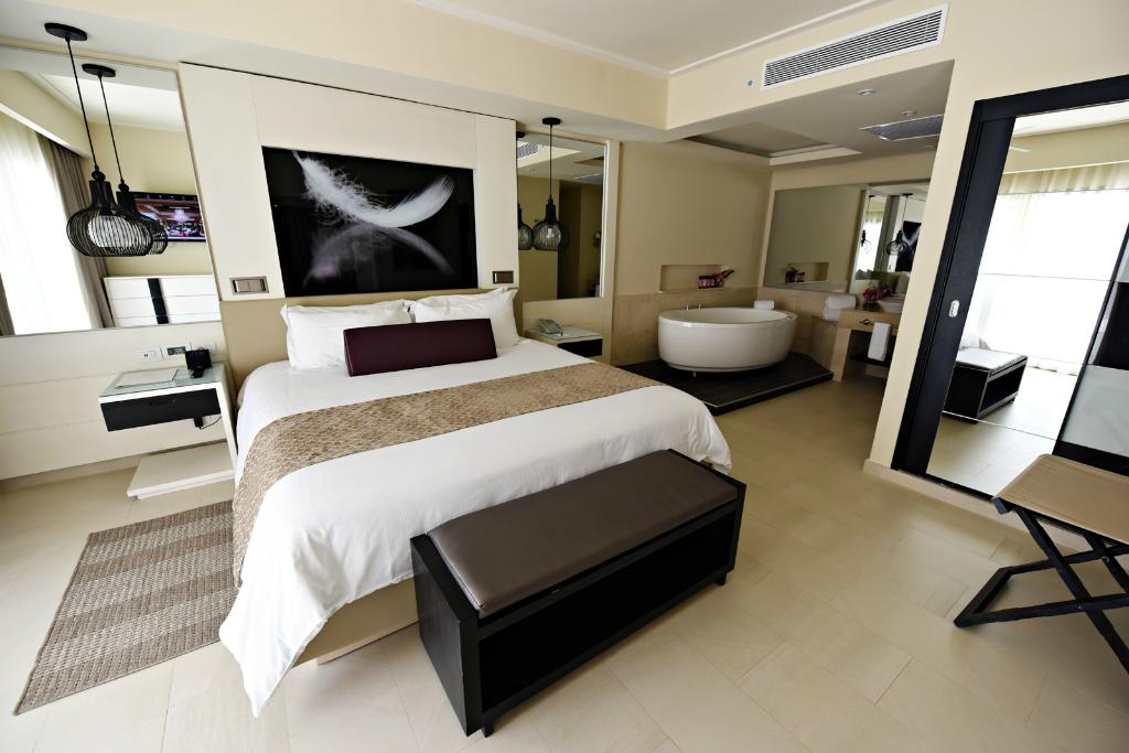CHIC Punta Cana By Royalton - CHIC by Royalton Luxury ... on Chic By Royalton All Exclusive Resort - All Inclusive  id=94640