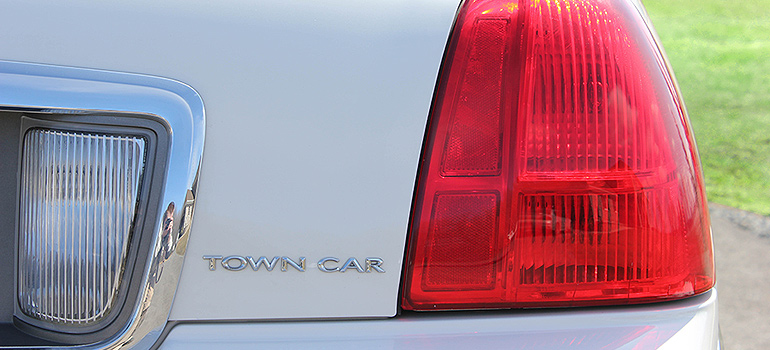 2008 Tuxedo Stretched Towncar Tail Light
