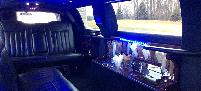 2011 all black towncar interior front view