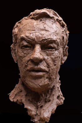 portret Hans van Mierlo in keramiek