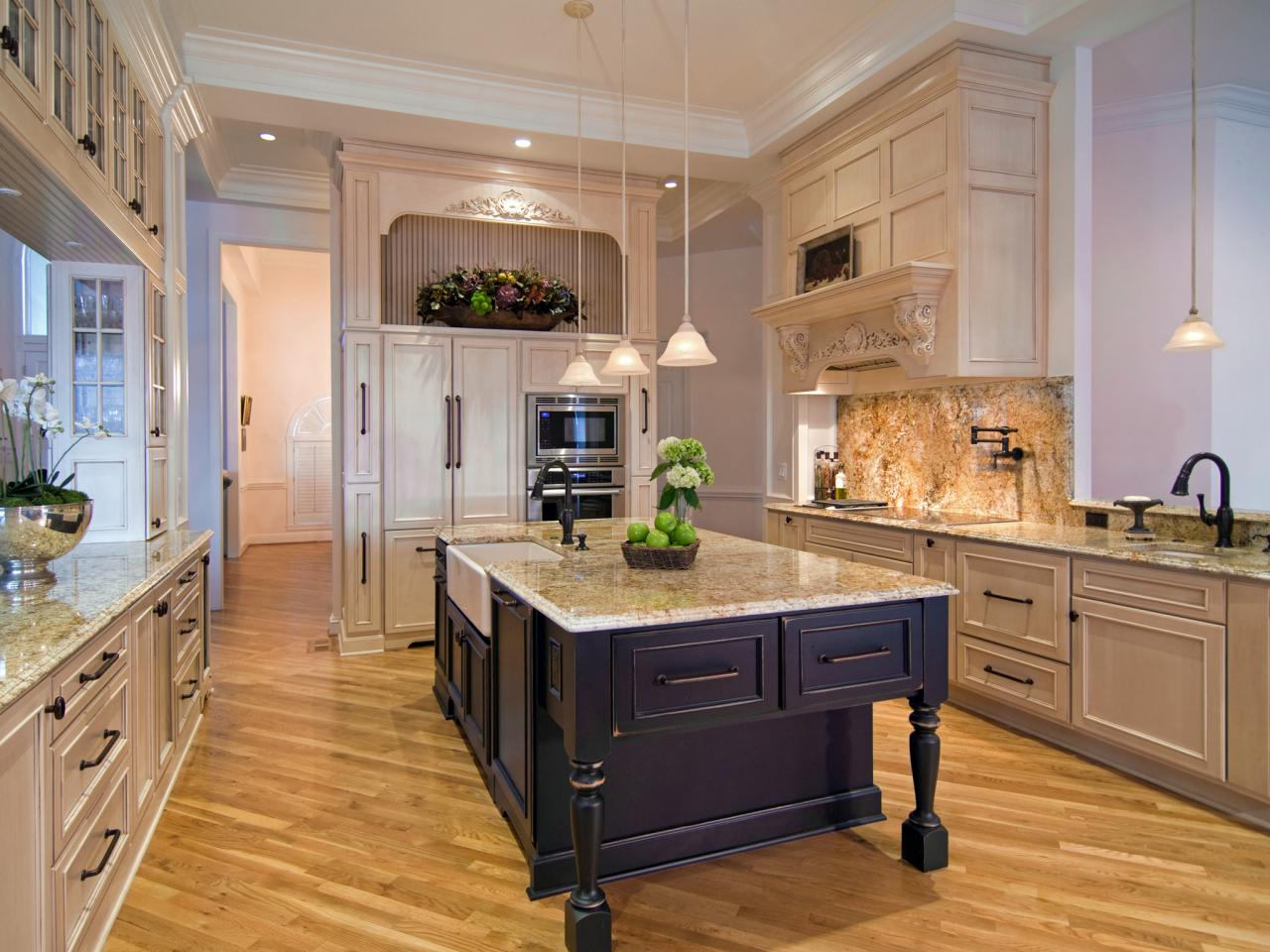 Older Home Kitchen Remodeling Ideas | Roy Home Design on Kitchen Remodeling Ideas  id=53794
