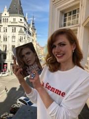 Gabriela Koukalová se svou knihou. Foto 2media