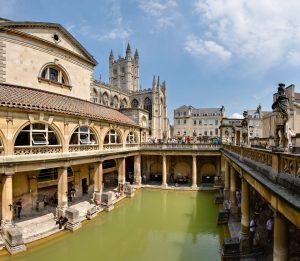 Zachowane Rzymskie łaźnie w Bath w południowej Anglii