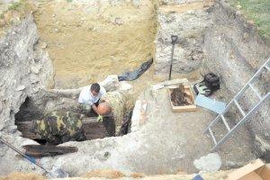 Po dwustu latach wyjęte z trumny szczątki ponownie zostaną pochowane, tym razem w ossuarium, przygotowywanym w kryptach Bazyliki Narodzenia NMP