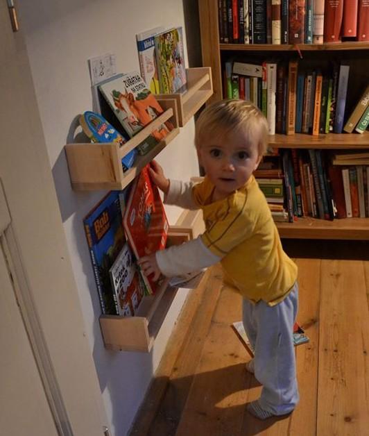 Poličky na knížky pro děti