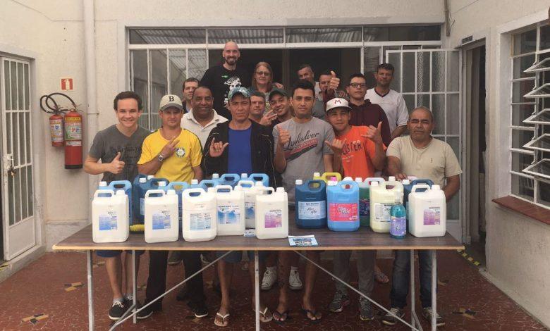 Foto da doação de produtos de limpeza durante a Ação Guerreiros do Bem do RPG Next