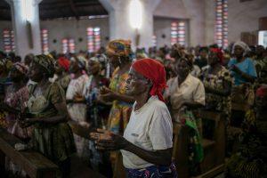 Les fidèles de l'église de David Oyedepo