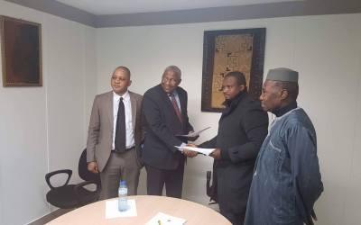 DEBOUT POUR UN CONSULAT DIGNE : les maliens s'indignent à nouveau