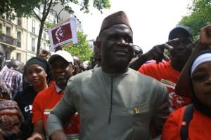 Mahamadou Hawa Gassama à la marche de la plate-forme AN TE A BANA France