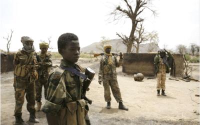 De la guerre d'indépendance à la guerre des intérêts : Le piège des enfants dans le conflit malien