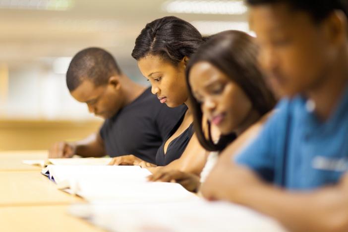 Des études onéreuses pour un salaire de misère de retour au pays