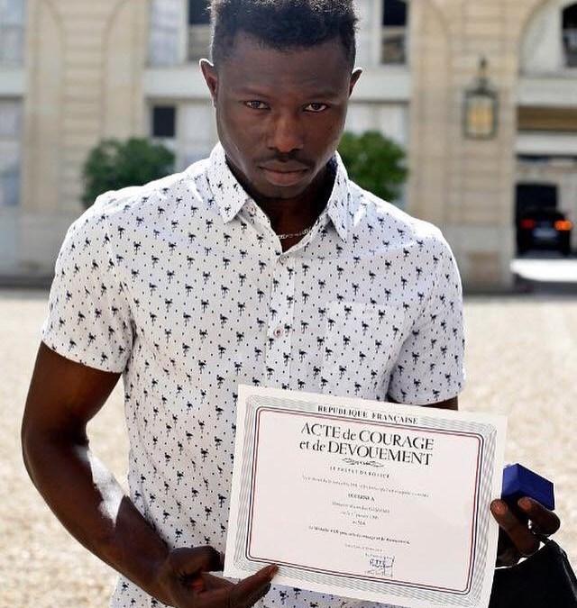 Mamadou Gassama le héros célébré en France mais silence radio à Koulouba